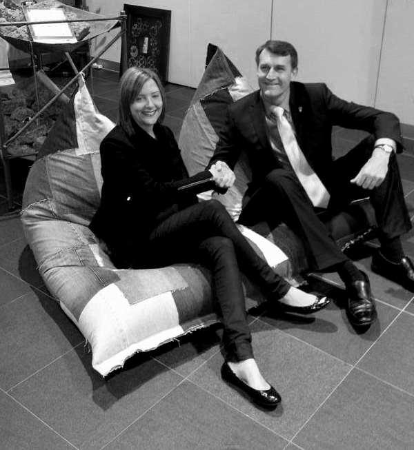 KT Doyle & Lord Mayor Graham Quirk in JEANBAG_B&W